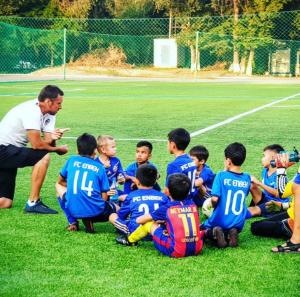 Футбольное поле на территории Алтын Каргалы Алматы